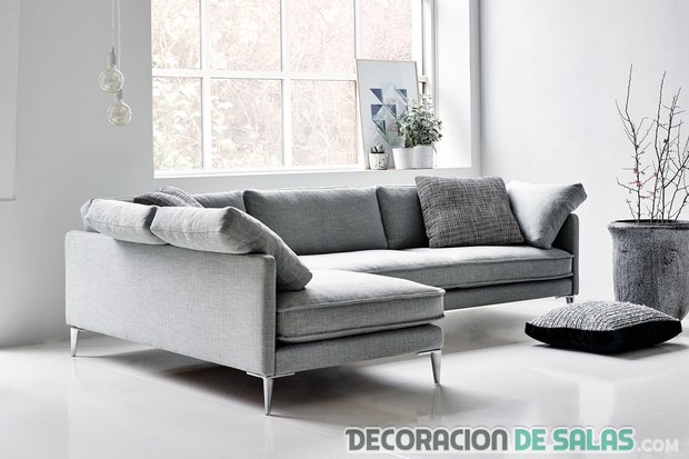 sofá de esquina en color gris