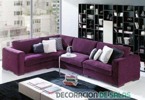 sofá esquinero morado salón