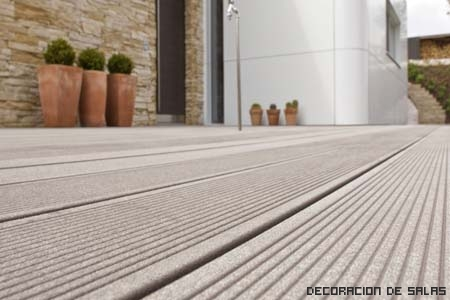 Los mejores pavimentos para el exterior for Laminas de madera leroy merlin