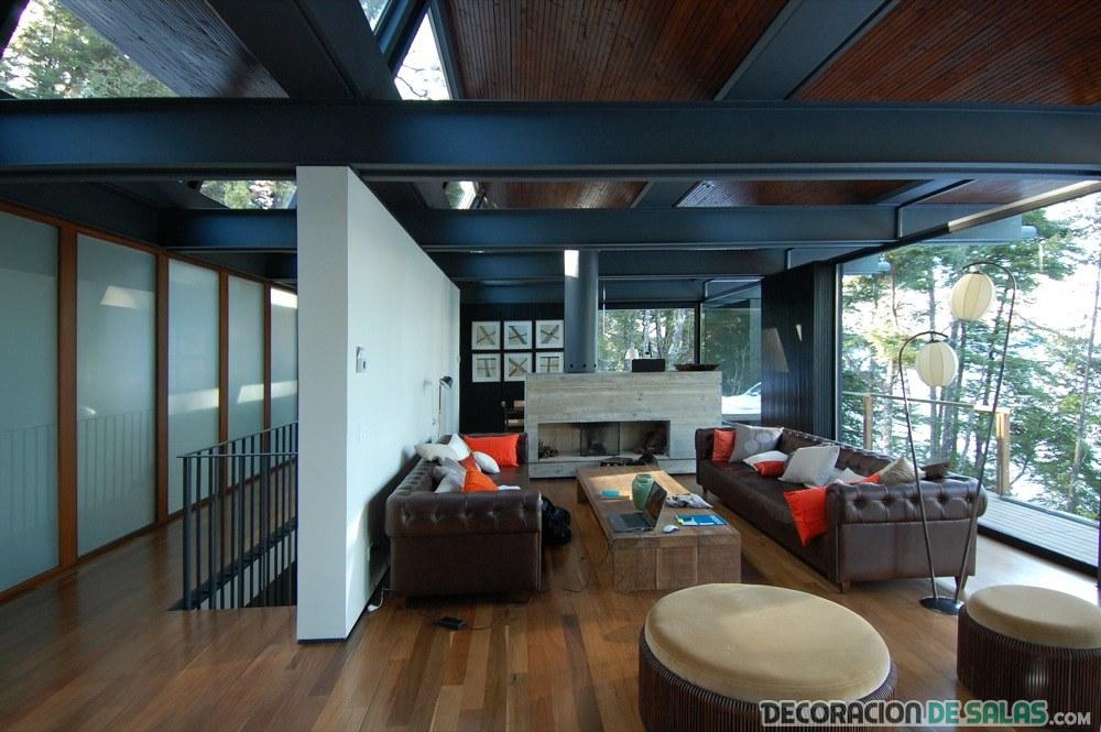 Los techos de madera y su belleza en los interiores for Colores para techos de casas
