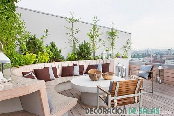 terraza con sofá semi-circular