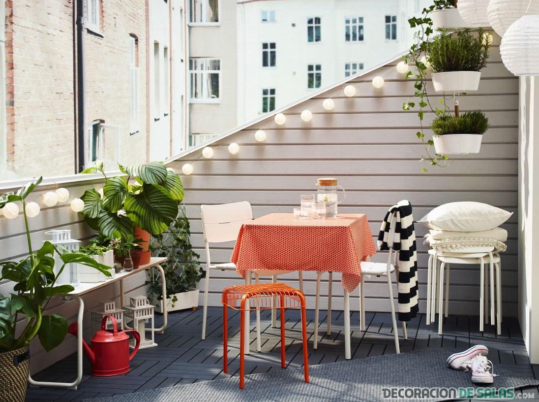 terraza decorada en blanco ikea