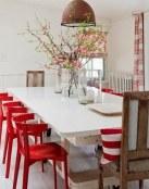 Tres comedores en blanco y rojo