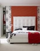 Dormitorios en blanco, negro y rojo