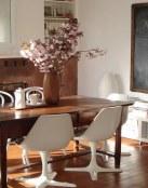 Decora con mesas de estilo rústico