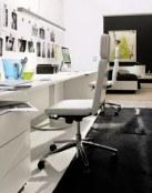 Oficinas decoradas de manera sencilla