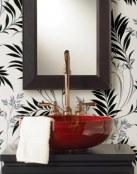 Reforma tu baño gracias al papel decorativo