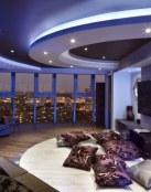 Salas modernas con techos decorativos