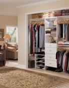 Los vestidores desbancan a los armarios