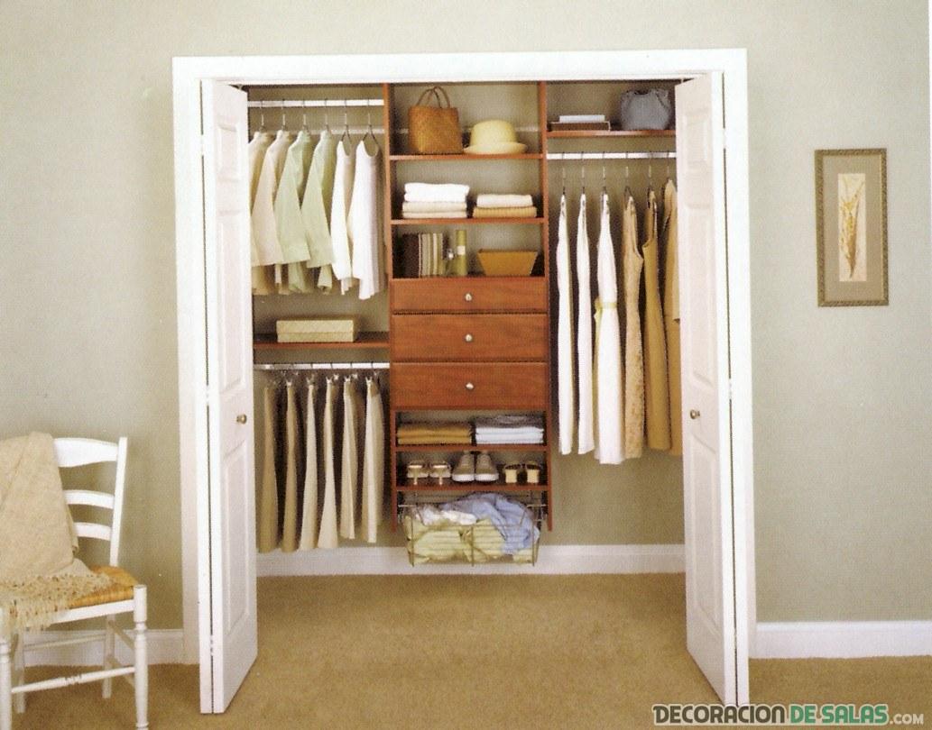 vestidor con puertas blancas