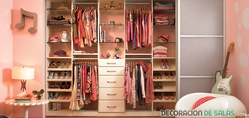 Ideas de vestidores modernos para tu hogar for Walking closet modernos pequenos