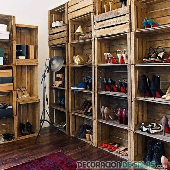 vestidor reciclado con cajas de madera